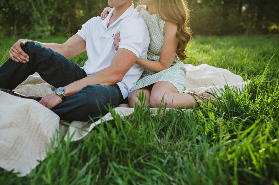 rustic field engagement photos, natural candid engagement photos, Tennessee rustic engagement photos, engagement photos in a field