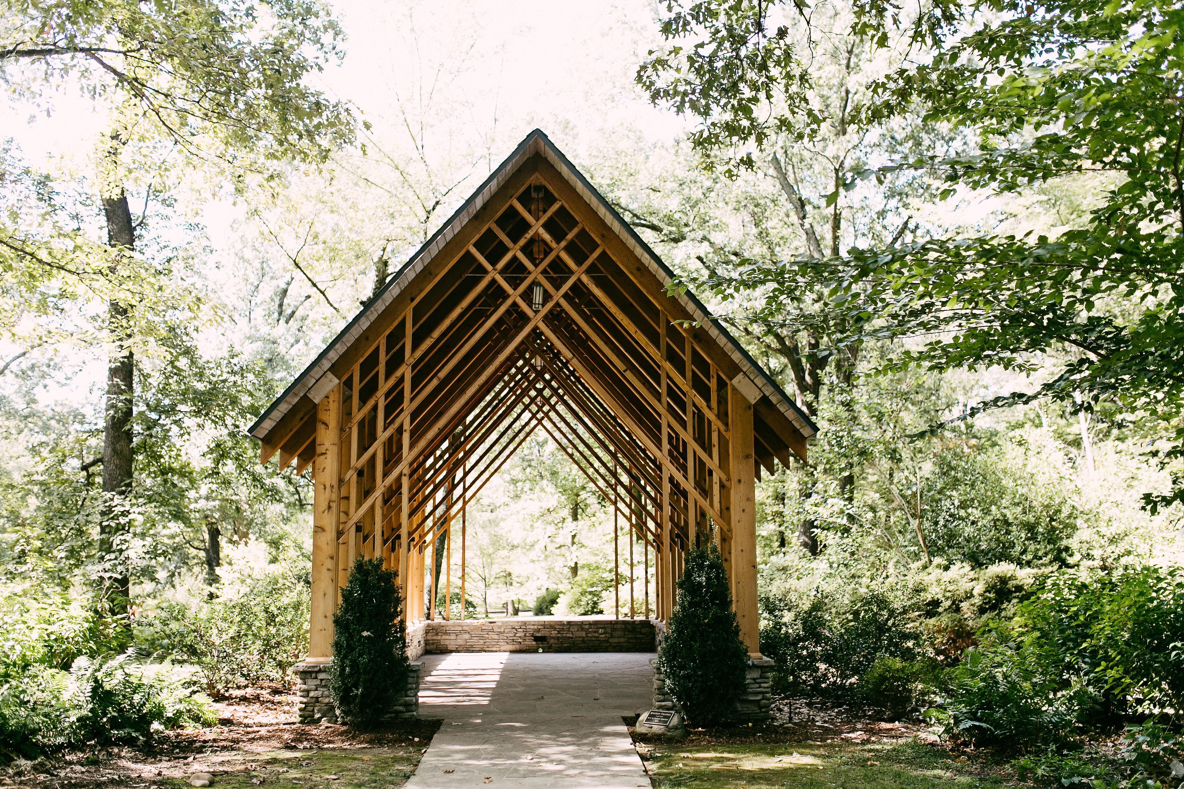 CaitlynJamesMemphis Botanical Garden Wedding Kelly Ginn